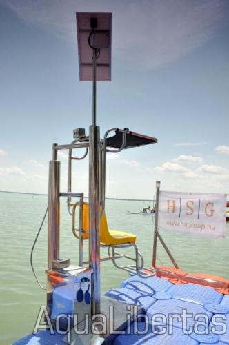 Mobil stégre épített hidraulikus beemelő